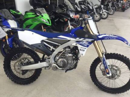 2015 Yamaha YZ450F, Low hours, very clean.