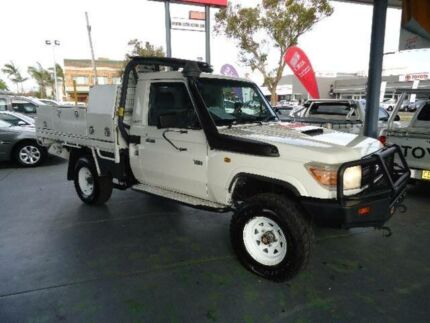 2011 Toyota Landcruiser VDJ79R 09 Upgrade Workmate (4x4) White 5 Speed Manual Cab Chassis Hamilton Newcastle Area Preview