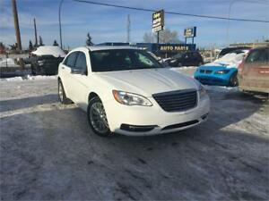 2012 Chrysler 200 Limited LEATHER ROOF NAVIGATION BLUETOOTH AUX