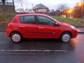 RENAULT CLIO 1.1 EXPRESSION 16V 5d 74 BHP (red) 2009