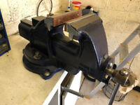 Record - Toolmaker/Engineers Bench Vice - (incuding swivel base)