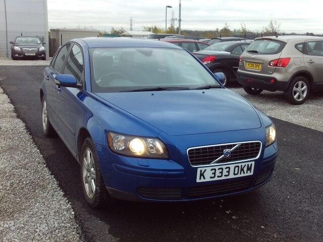 MOT 21st July 2017. Volvo S40, blue, 4 door saloon, 1.6 petrol, private plate with car 156,266 miles