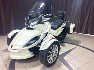 CAN AM SPYDER ST LIMITED.