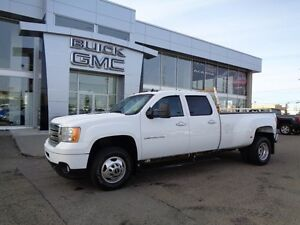 2012 GMC Sierra 3500HD Denali - 4x4! Dually! Nav, DVD, Sunroof
