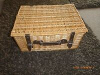 Wicker or picnic basket