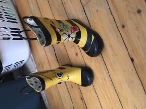 Toddler girl rainboots - size 8