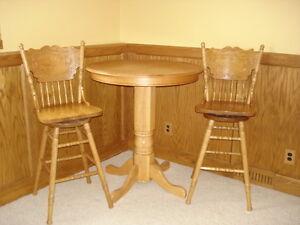 PUB TABLE AND 2 SWIVAL CHAIRS Sarnia Sarnia Area image 1