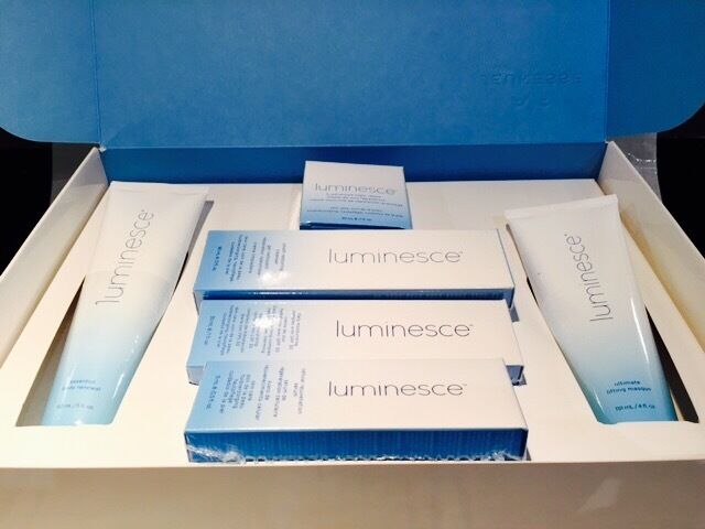 Set of 6 Jeunesse Luminesce Gift Box - Christmas ONLY