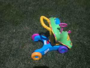 EXCELLENT BABY/TODDLER RIDE-ON, ROCKER, POPPER & PUSH TOYS Cambridge Kitchener Area image 3