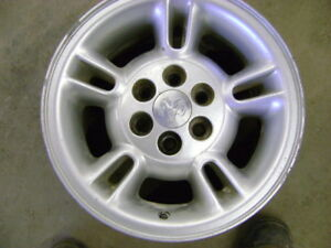 15x8 Dodge rims, Full size truck tool box, 03-07 Chev RF fender