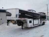 REMORQUE A 3 CHEVAUX BISON 8312LD SLIDE-OUT 2015