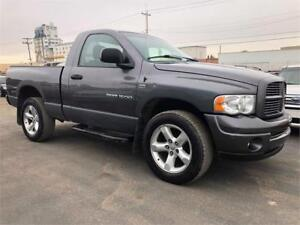 2004 Dodge Ram 1500 SLT -LOW KM FOR THE YEAR/COMES WITH 3TH WARR