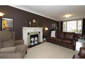 **GREAT LOCATION VERY CLEAN HOME FOR LEASE** Kitchener / Waterloo Kitchener Area image 4