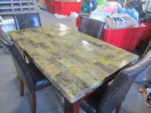 Modern table & chairs - 6533