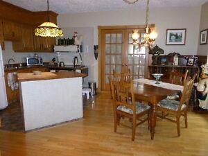 Belle maison d'autrefois avec revenu Saguenay Saguenay-Lac-Saint-Jean image 4
