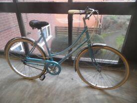 RALEIGH CAPRICE VINTAGE CLASSIC 3 SPEED LADIES BICYCLE ( APPEARS UNUSED )