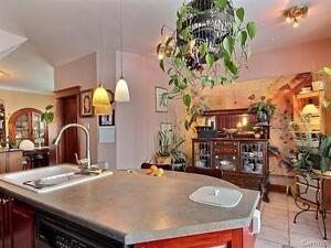 Quaint duplex in Dorval for sale West Island Greater Montréal image 4