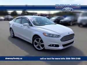 "2013 Ford Fusion SE 2.0L White Platinum Bluetooth On 18\"" Rims !"