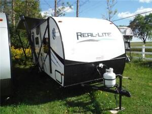 2017 Palomino Real Lite 19S Luxury Ultra Lite Travel Trailer