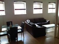 2 bedroom flat in Waterfront Walk, Birmingham