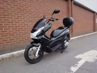 2011 HONDA PCX 125 WW 125 EX2 A 1 Owner + Only 11,300 Miles