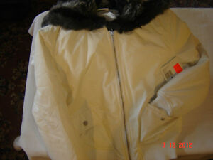 A brand new winter jacket  JLO for ladies West Island Greater Montréal image 2