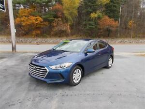 2017 Hyundai Elantra LE LOADED  ABSOLUTELY MINT!