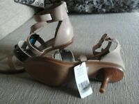 Autograph ladies shoes size 5