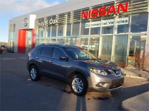 2015 Nissan Rogue SV **Panoramic Moonroof**
