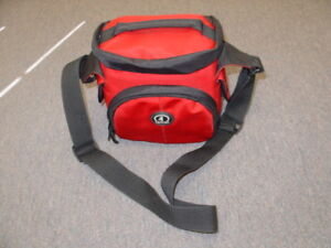 New Tamrac Red Professional Camera Carrying Case Bag