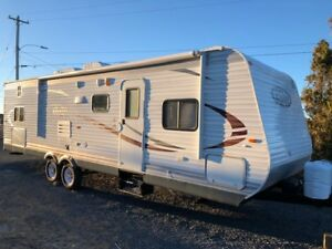 2014 JAYCO travel trailer, large slide with bunk room