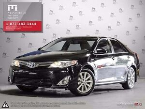 2014 Toyota Camry Hybrid XLE moonroof package