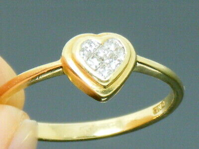 18ct Gold  0.25ct princess Diamond Love Heart Engagement ring size S