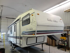 1996 25FKB GOLDEN FALCON - BUNK MODEL