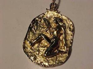#3127-UNUSUAL DESIGN PENDANT-14K - GOLD (HALLMARKED 14K) 7.6 Grams-WILL SHIP FREE-CANADA ONLY-ACCEPT EMAIL BANK TRANSFER