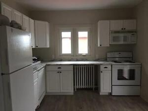 WALK TO BEACH FROM THIS NEWLY RENOVATED 2 BEDROOM APARTMENT