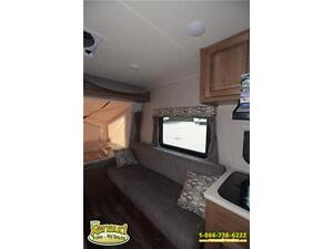 NEW 2017 Forest River Shamrock 19 Hybrid Travel Trailer Windsor Region Ontario image 11