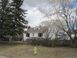 REDUCED! HOUSE FOR SALE IN PONOKA: 4003 45 A Street