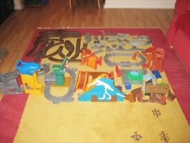 Large Selection Of Thomas The Tank Engine Track And Building Accessories.