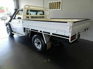 2003 Nissan Patrol GU DX (4x4) White 5 Speed Manual 4x4 Cab Chassis Woodridge Logan Area Preview