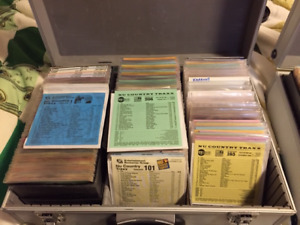 DJ Music Collection of 300 CDs - Nu Music & Country Traxx