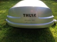 Excellent condition, Thule Atlantis roof box.