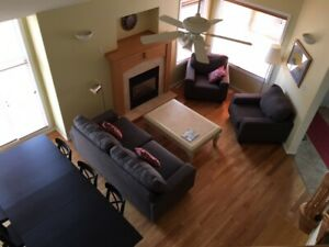 Tastefully Decorated 3 Bedrooms 3 Baths Home for Rent