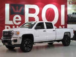 GMC Sierra 2500HD 4WD Crew Cab 6.0L 8FT BOX 2015