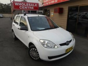 2006 Mazda 2 DY MY05 Upgrade Neo White 5 Speed Manual Hatchback Edgeworth Lake Macquarie Area Preview