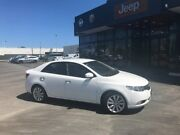 2010 Kia Cerato TD MY10 SLi White 5 Speed Manual Sedan Hillman Rockingham Area Preview