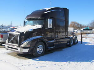 VOLVO TRUCK D16 WITH TRI PACK