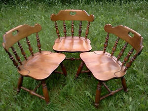 VARIOUS CHAIRS, SETS OF 4, 3, 2 & SINGLE CHAIRS - SOME ANTIQUE Cornwall Ontario image 1