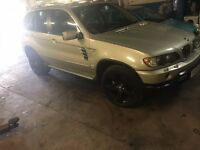 BMW X5 4X4 3 LT PETRO AND LPG FULL LEATHER AUTOMATIC SHORT MOT