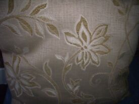 4 cushions with covers New Unused Floral Design Creams and Browns